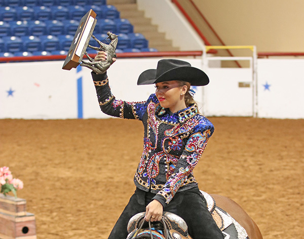 Lauren Gralla and Erin Griffin Take Top Spots in APHA Youth World 18 and Under Trail