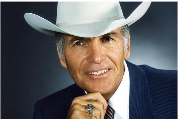 "AQHA Past President, ""The Marlboro Man,"" Robert Norris, Has Passed"