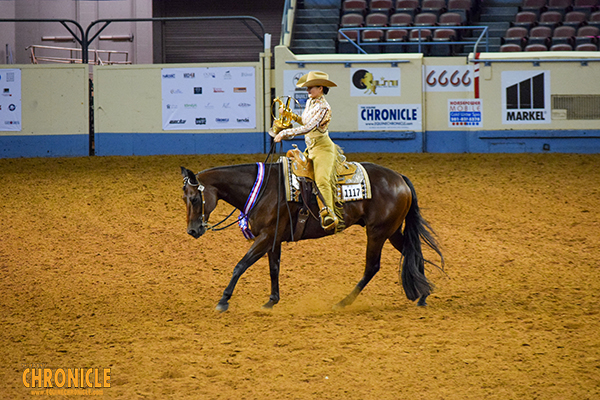 Hanna Olaussen/Wearin Only Moonlite Win 14-18 Horsemanship at AQHA YWC