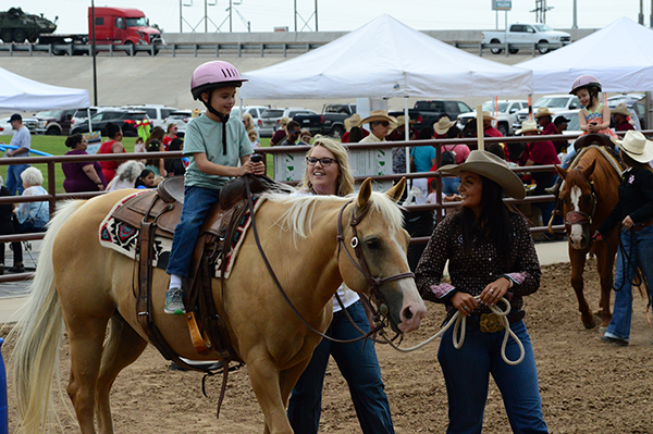 1,800 People Introduced to American Quarter Horse on National Day of the Cowboy